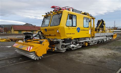 Øveraasen completes the delivery of snow removal equipment for the LTR17